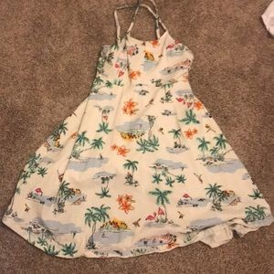 Old navy dress with palm trees